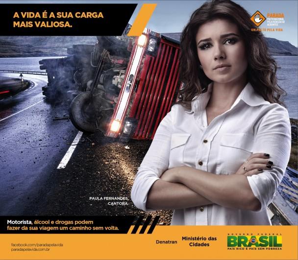 Paula Fernandes participa de campanha para caminhoneiros