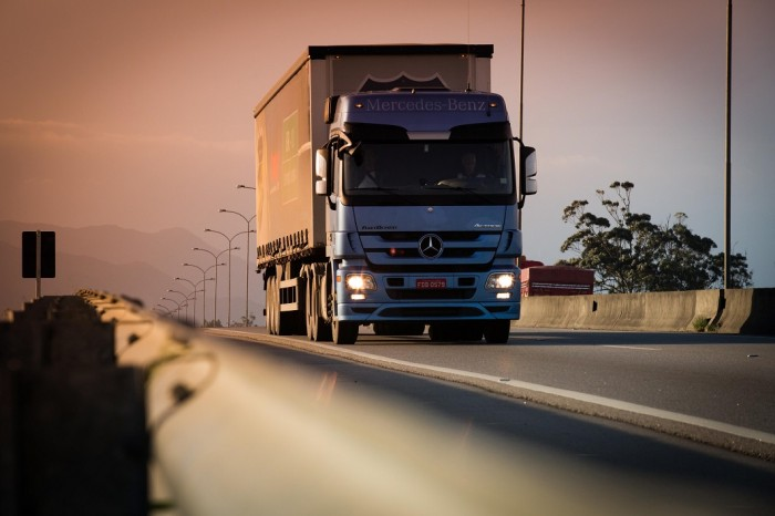 Actros25461-700x466