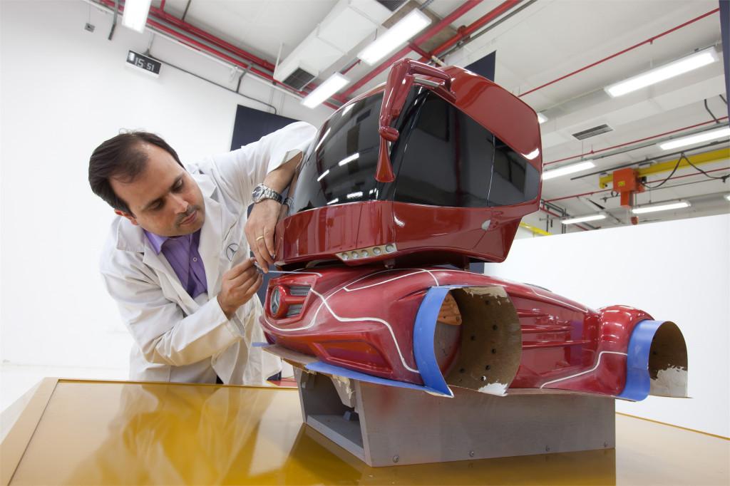 Mercedes-Benz recebe premiação de inovação - Minasmáquinas